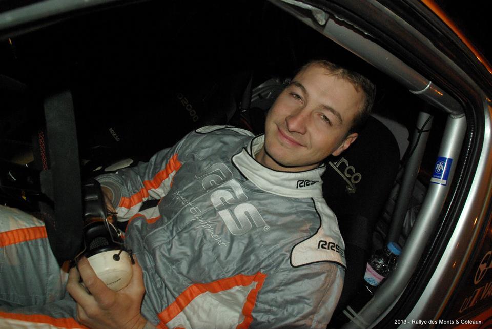 Julien Saunier au volant de sa Clio groupe A