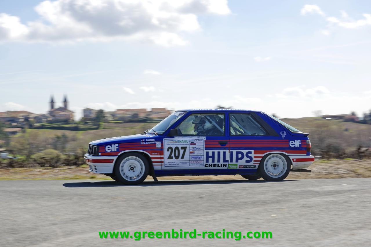 Une R11 turbo grA en rallye aux couleurs Philips