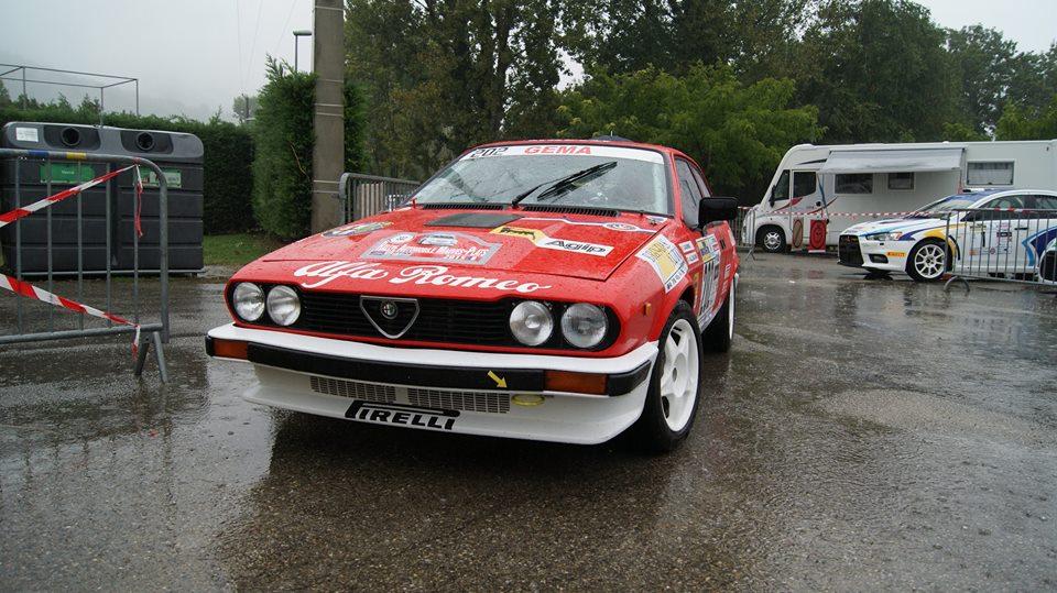 Alfa Romeo GTV6 grA au couleurs officielles comme celle d'Yves Loubet